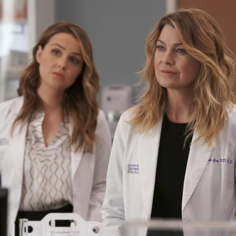Jo e Meredith in una scena di Grey's Anatomy