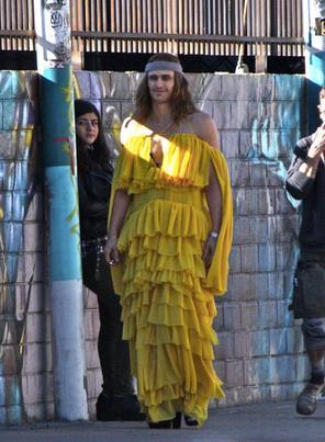 James Franco con una mise di Beyoncé