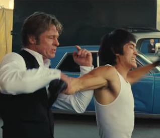 Brad Pitt e Mike Moh nel trailer di C'era una volta a Hollywood