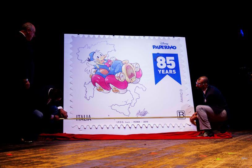 Presentazione del francobollo di Paperino da Guinness al Lucca Comics & Games 2019