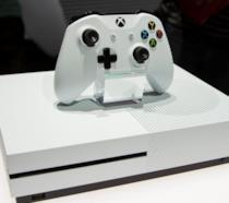 Xbox One S esposta allo showfloor dell'E3 2016