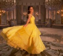 Emma Watson è Belle in un'immagine del live-action La Bella e La Bestia
