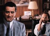 Robert De Niro e Billy Crystal in una scena di Terapia e pallottole