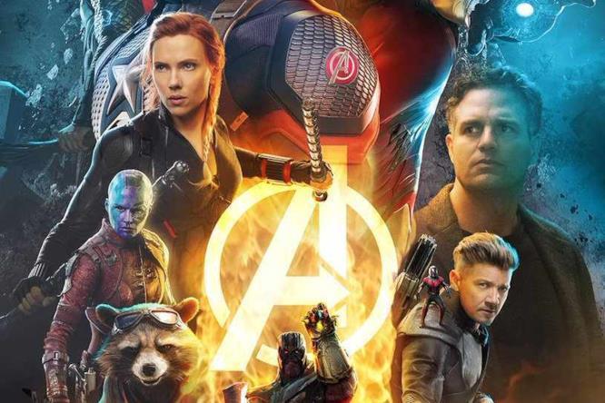 I Vendicatori e Thanos nel poster di Endgame di BossLogic