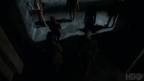 Jon Snow entra nella sala del trono a Roccia del Drago
