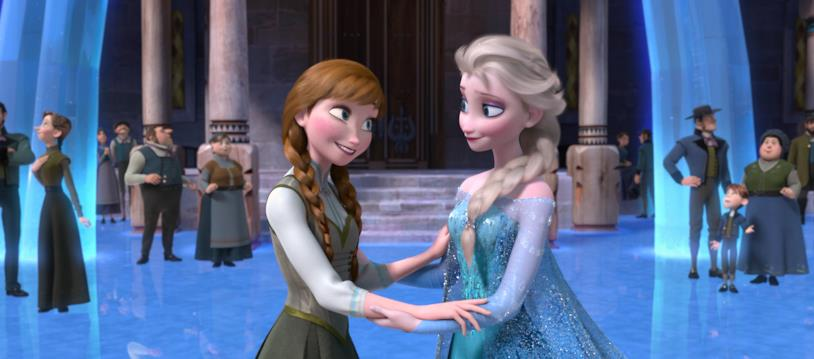 Elsa e Anna in una scena di Frozen a palazzo