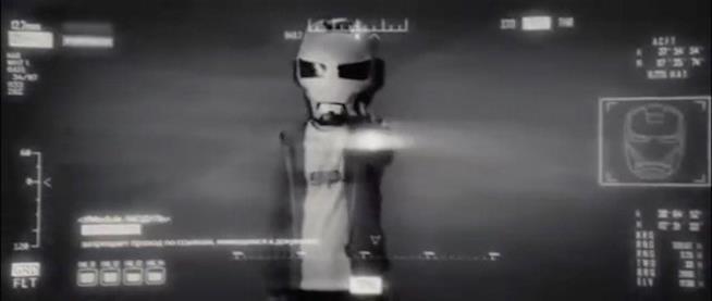 Il robot di Justin Hammer sotto il controllo di Whiplash prende di mira...Peter Parker?!