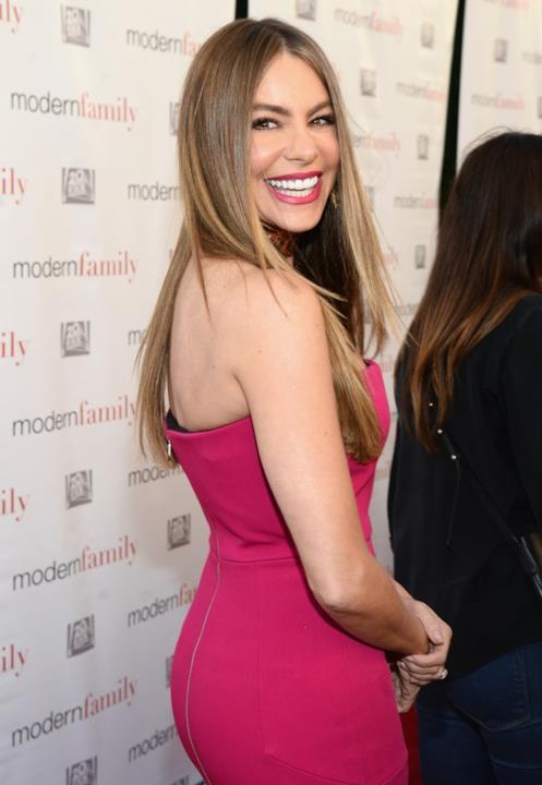Sofia Vergara Atas Emmy Event