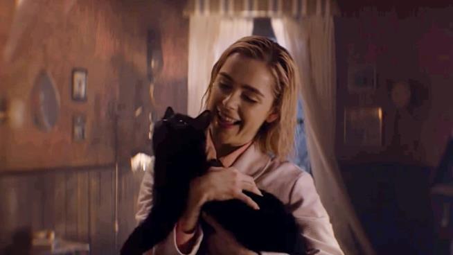 Sabrina e Salem in un'immagine da Le Terrificanti Avventure di Sabrina