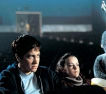 Donnie Darko, Gretchen e Frank guardano un fil,
