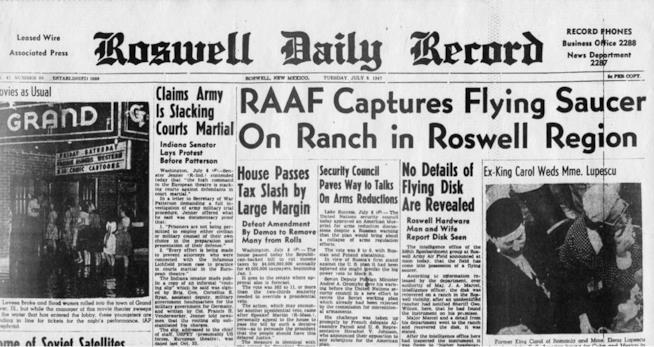 La pagina di giornale su Roswell