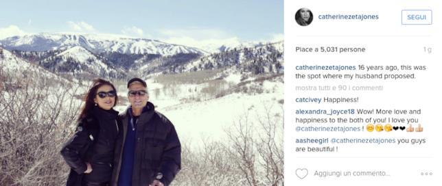 Foto di Michael Douglas e Catherine Zeta-Jones in montagna ad Aspen