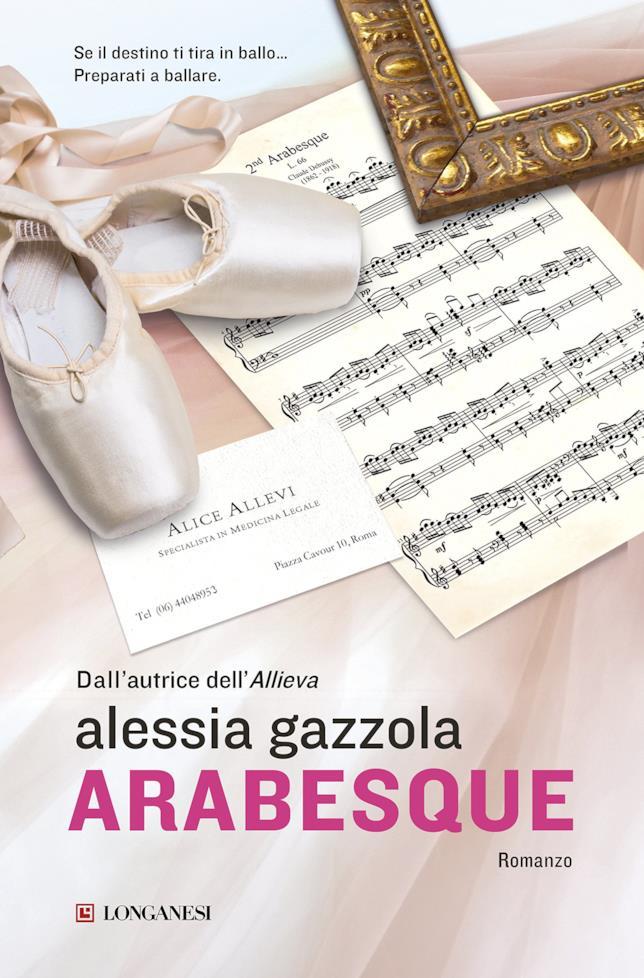 copertina colorata di Arabesque con scarpe da danza classica e spartiti musicali