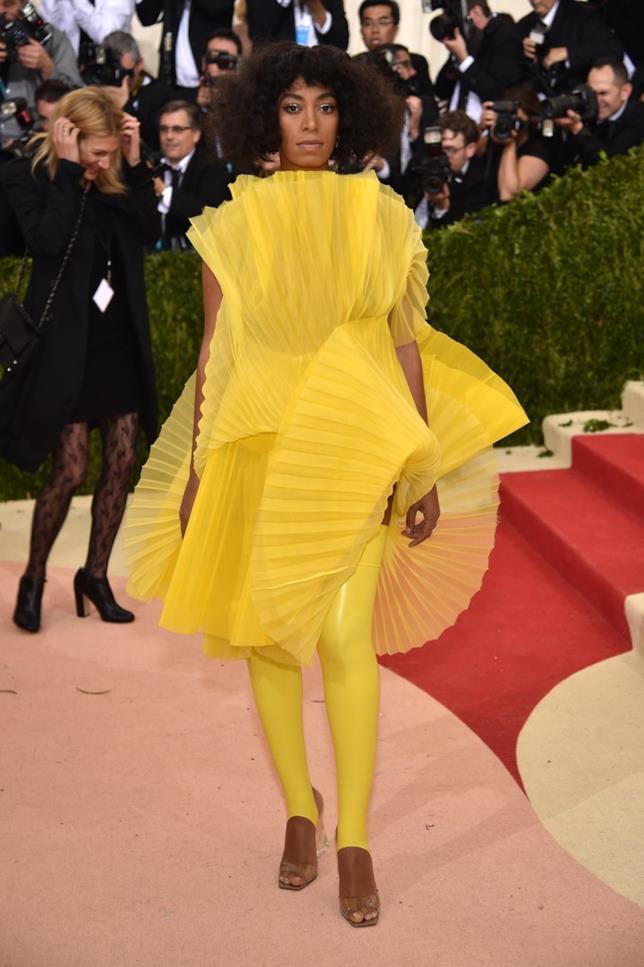 Solange Knowles sul red carpet del Met Gala 2016