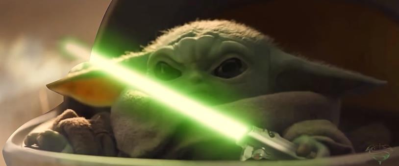 Baby Yoda con la spada laser nella video-parodia di Endgame