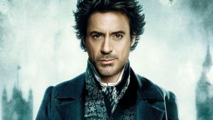 Robert Downey Jr., primo piano nei panni di Sherlock Holmes