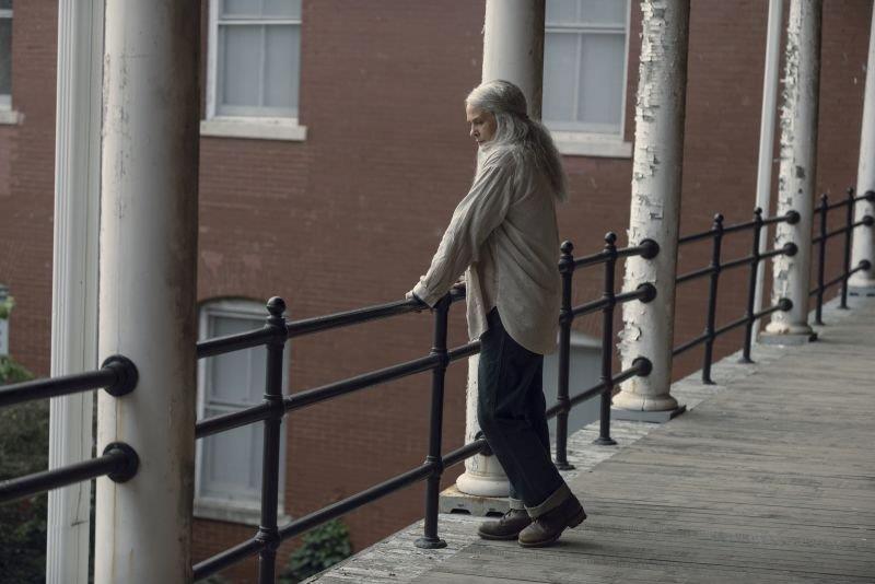 Un'inedita Carol con i capelli lunghi, per la prima volta nella serie