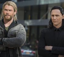 Thor e Loki in un'immagine di Thor: Ragnarok pubblicata da Empire