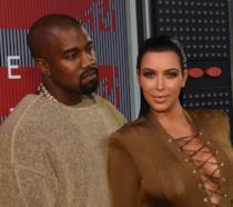Primo piano di Kanye West e Kim Kardashian