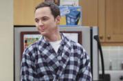 Sheldon che suona le percussioni