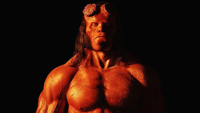 David Harbour nei panni di Hellboy