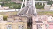 Una foto del ponte Morandi di Genova dopo la catastrofe