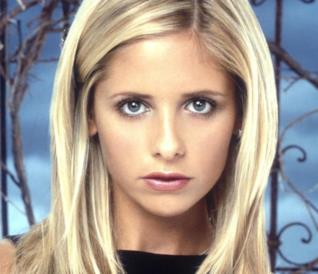 Un primo piano di Buffy