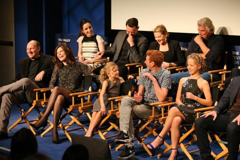 Il cast di Life in Pieces durante il panel del PaleyFest