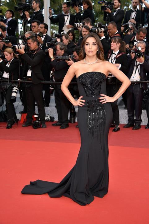 Eva Longoria alla prima di Money Monster a Cannes