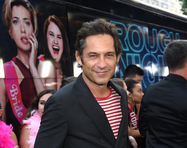 Primo piano dell'attore di origini cubane, Enrique Murciano