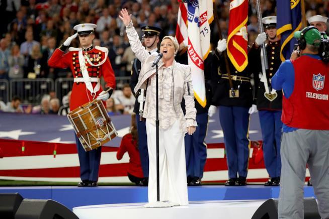 Pink impegata a cantare l'inno nazionale al Super Bowl LII