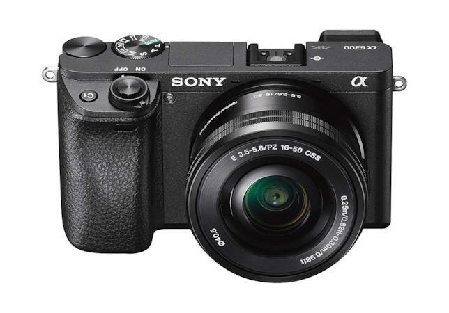 La fotocamera digitale Sony Alpha 6300