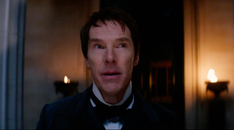 Benedict Cumberbatch con aria assorta