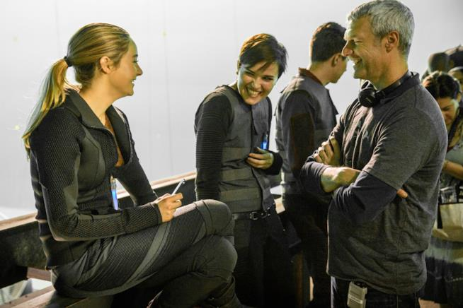 Neil Burger sul set di Divergent con Shailene Woodley