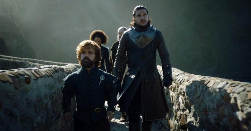 Peter Dinklage e Kit Harington nei panni di Tyrion Lannister e Jon Snow in Game of Thrones