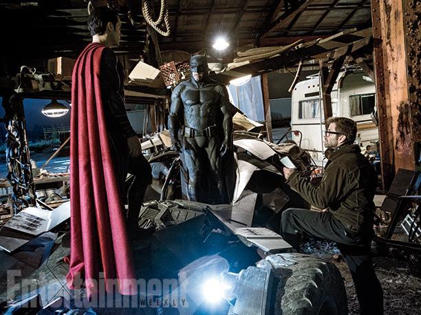 Zack Snyder durante le riprese di Batman V Superman