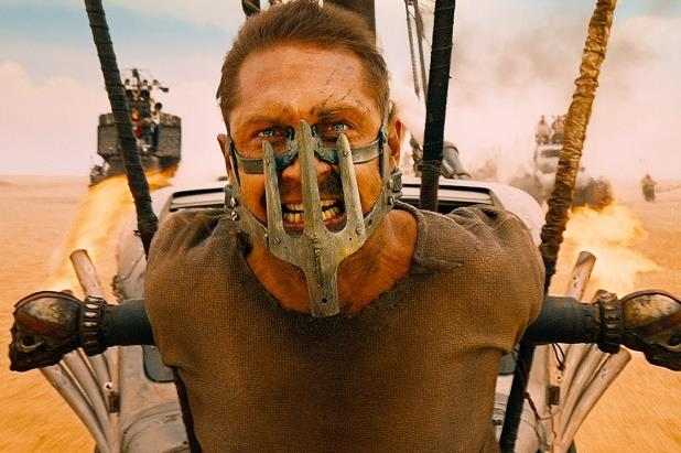 Tom Hardy in una scena di Mad Max: Fury Road