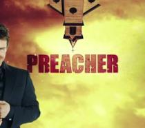 Tom Cruise con il logo della serie Preacher