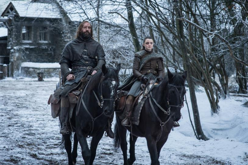 Rory McCann e Maisie Williams in Game of Thrones 8x04