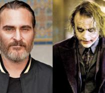 A sinistra l'attore Joaquin Phoenix, a destra il Joker di Heath Ledger