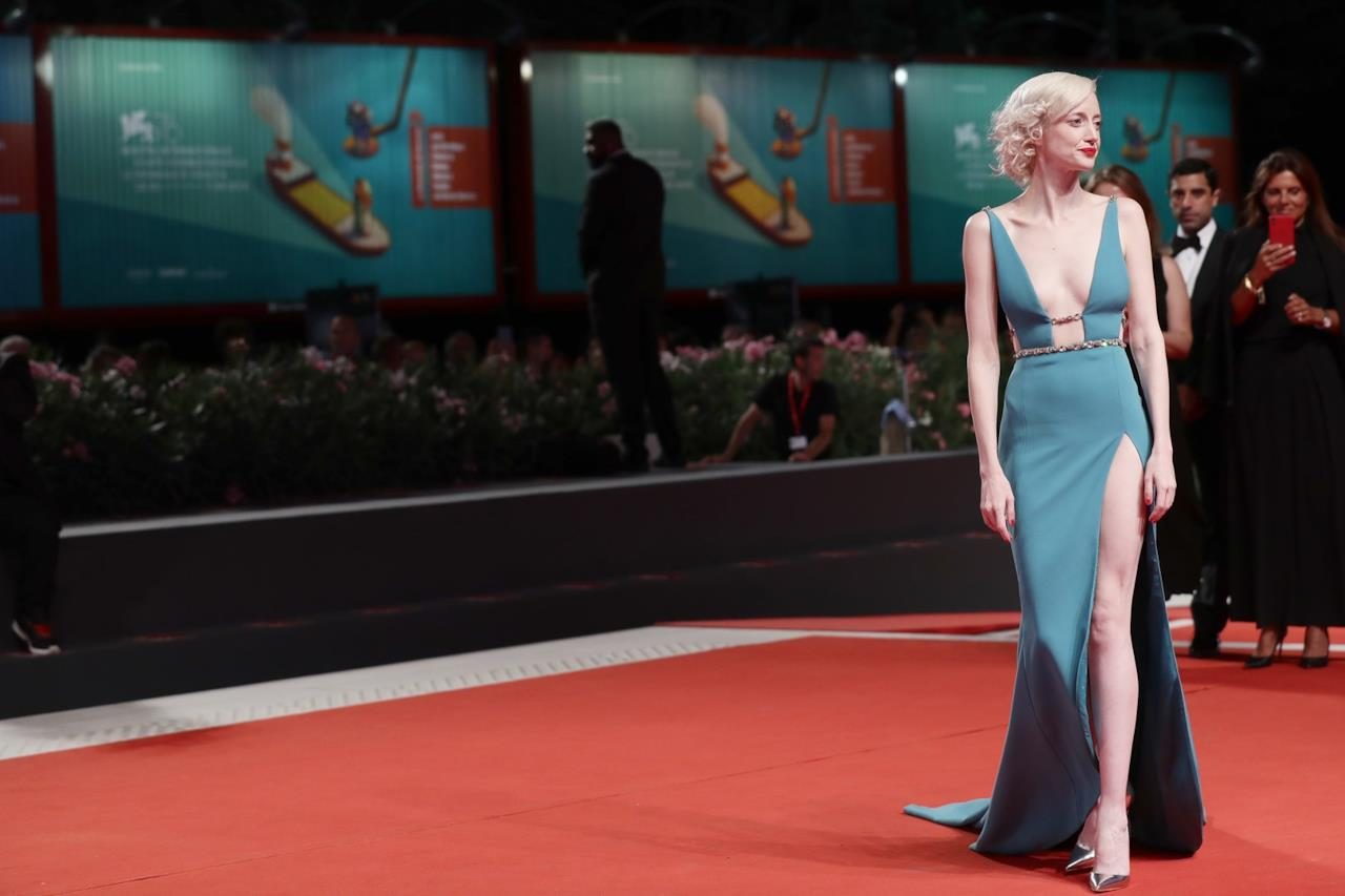 Mostra d'Arte Cinematografica di Venezia, Andrea Riseborough sul red carpet di ZeroZeroZero