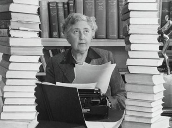Agatha Christie: amata per i libri e per le serie