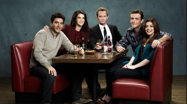 In foto Robin, Barney, Marshall, Lily e Ted