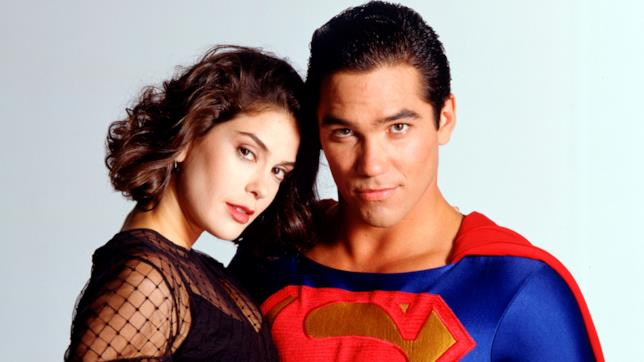 Mezzibusti di Teri Hatcher e Dean Cain nei panni di Lois Lane e Superman
