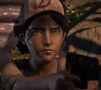 Clementine pronta a sparare in Telltale's The Walking Dead