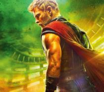 Chris Hemsworth nel poster di Thor: Ragnarok