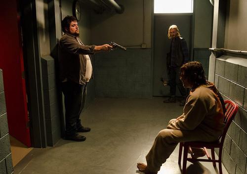 Daryl prigioniero nel covo dei Salvatori