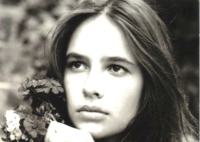 Nella foto una giovanissima Barbara Nascimbene