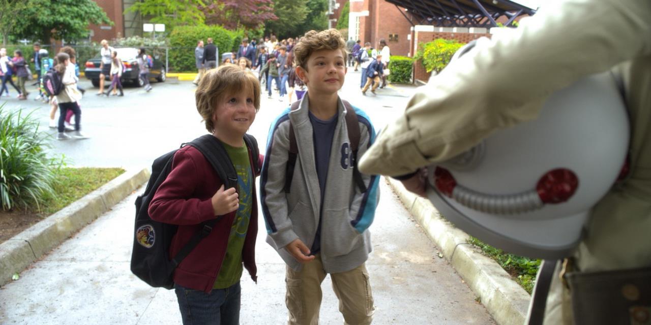 Auggie e un compagno di scuola in Wonder