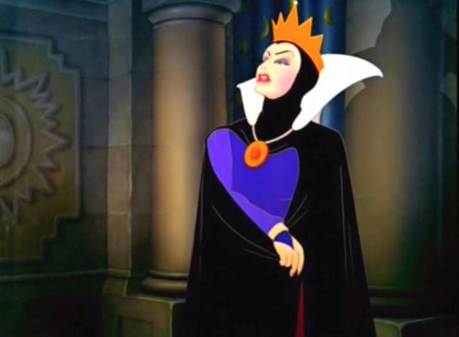 Grimilde in una scena di Biancaneve